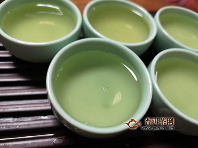 2019年龙园茶业成立20周年纪念生砖:苦涩时正是芳香将至