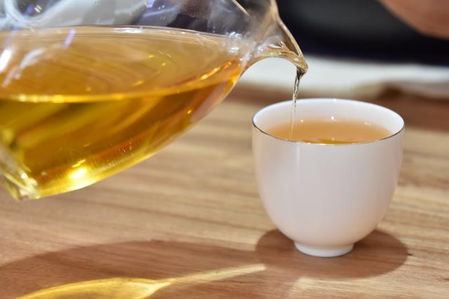 存一叶好茶,陪自己慢慢变老