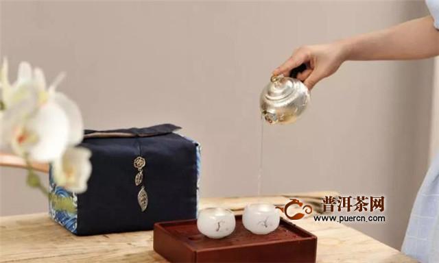 银壶如何泡红茶?
