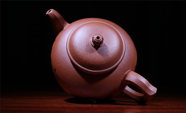 紫砂小知识:紫砂壶重量轻好,还是重好?