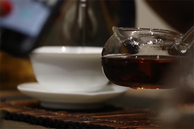 天热起来了,来个普洱茶冻?