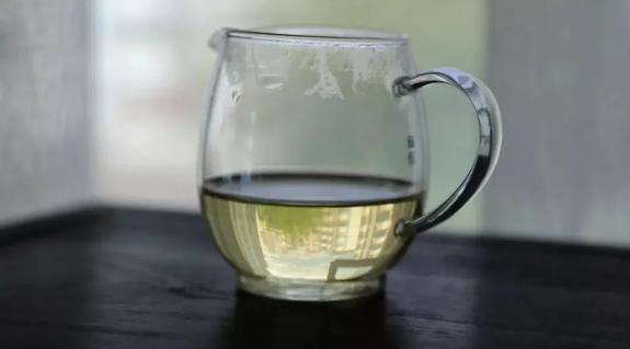 拼配茶后期的香气转化比纯料茶快?
