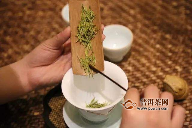 如何使用盖碗冲泡绿茶