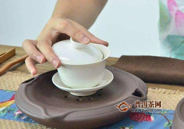 盖碗泡茶如何才能不烫手