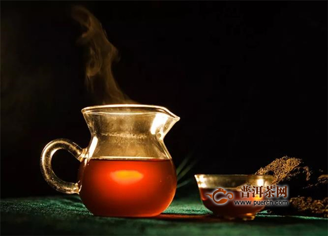 喝茯茶用什么杯子好?玻璃杯、瓷杯、紫砂杯