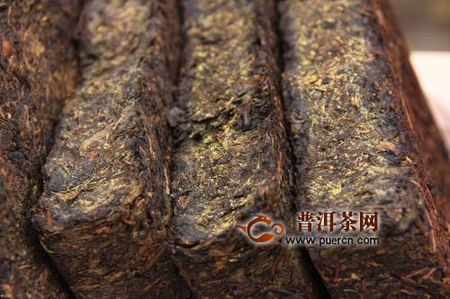 为什么传统黑茶看起来比较粗老?
