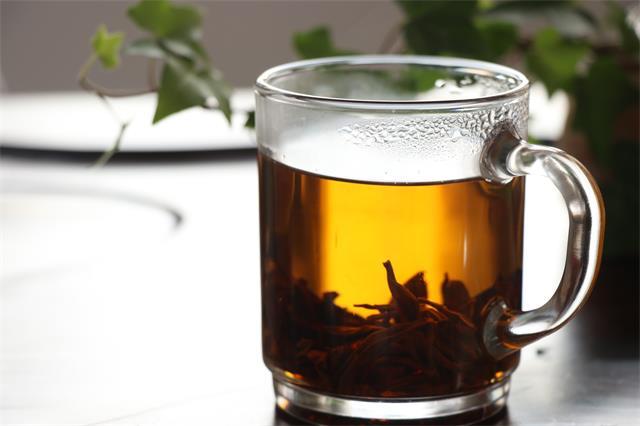 茶为谁清?酒为谁醉?缘分而已