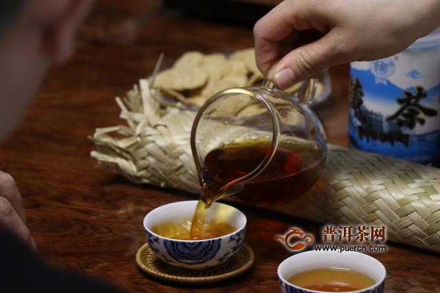 黑茶花卷茶的冲泡方法与冲泡时间