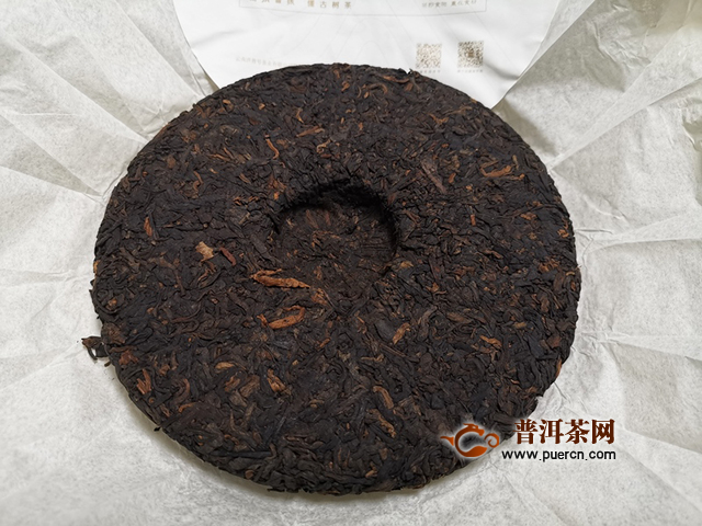 适合夏季品饮的香甜系熟茶:2019年洪普号雪藏熟茶