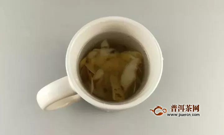 茶垢清洁有妙招,一分钟让茶杯光亮如新!