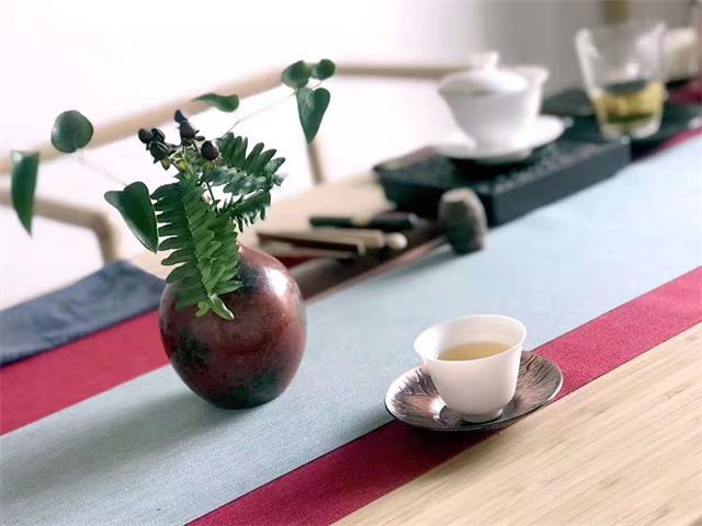 一杯清茶,一本闲书,一曲音乐,一种生活