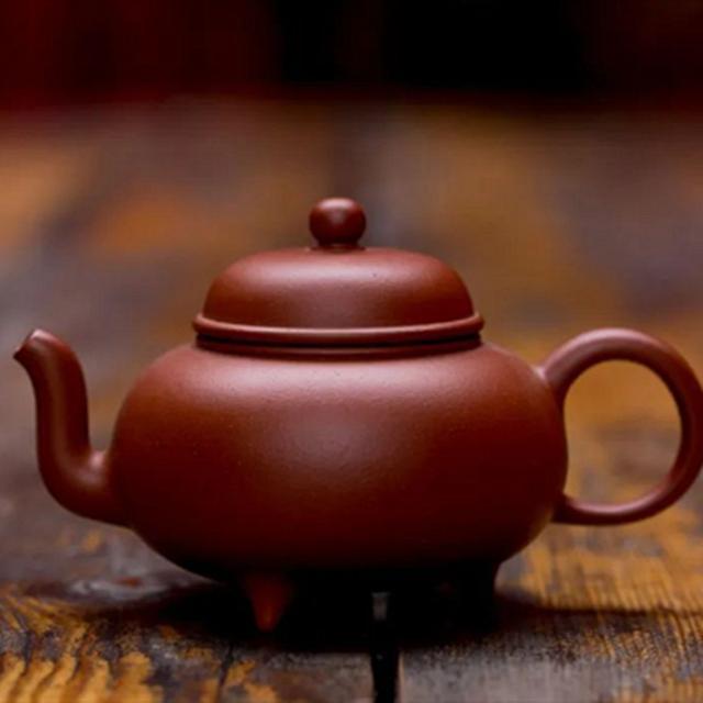 天热了,喝茶多,茶垢自然多,如何清理茶垢是学问