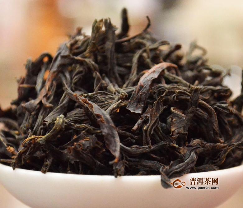 武夷肉桂岩茶和大红袍之间的区别