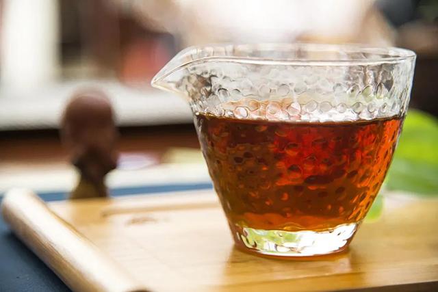 喝浓茶,提神?