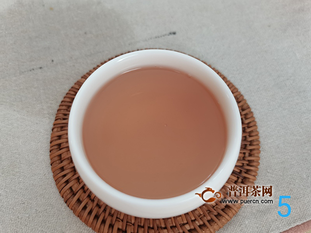 口感醇和,汤体顺滑:2019年七彩云南紫嫣