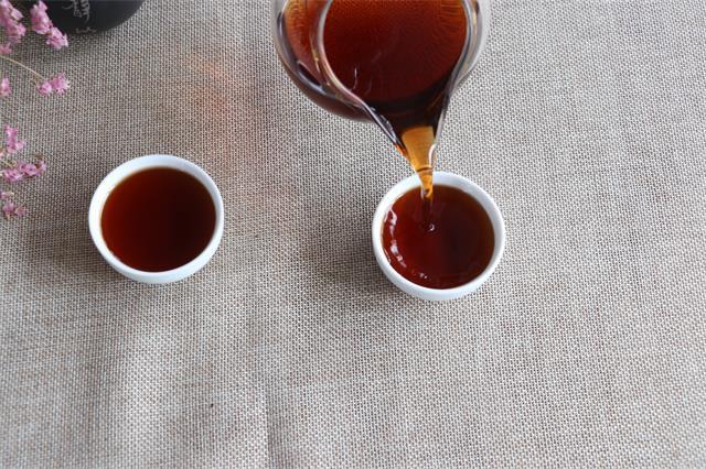 一口粽子一盏茶,不负岁月不负卿,祝端午安康!