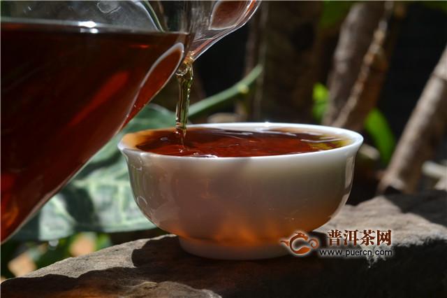"""普洱茶投资分析:""""新业态发力""""人民日报今日头条的背后蕴含着怎样的""""普洱茶商机"""""""
