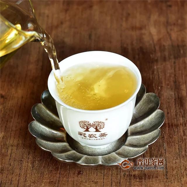 彩农茶:什么是普洱茶