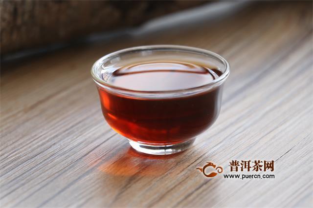 你泡的普洱熟茶汤色像酱油,这是为何?
