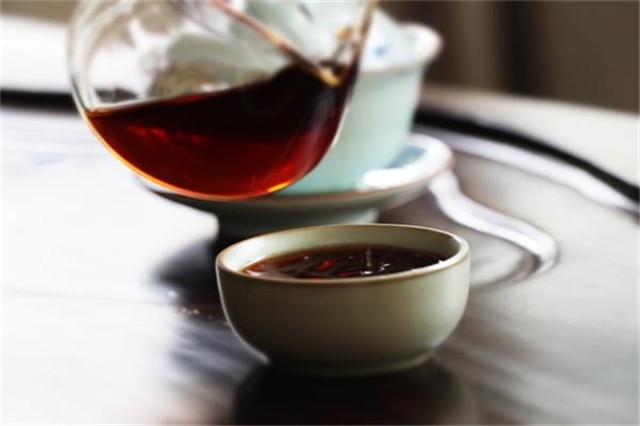 为什么有时候普洱熟茶汤色像酱油?