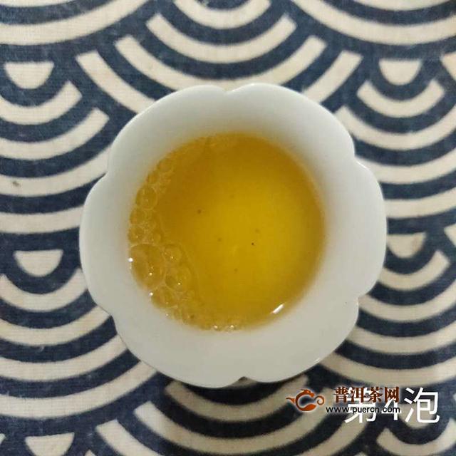 一款性价比极高的的标准口粮茶:2019年七彩云南庄园1800山水云净