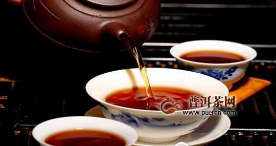 茶水上面一层油能喝吗