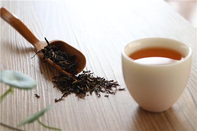 2020年上半年(1—6月),红茶线上销售趋势如何?
