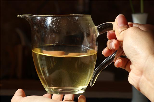 普洱茶中的茶毫决定普洱茶的好坏?