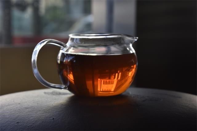 普洱老茶该如何久藏和品鉴?