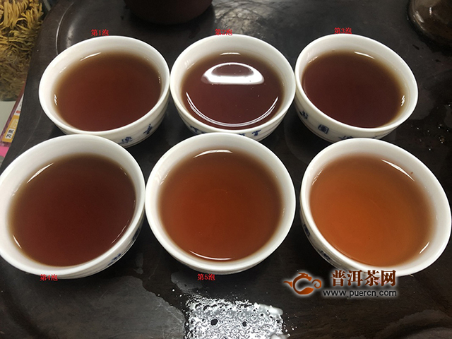 愉悦中带点遗憾:2019年洪普号雪藏熟茶