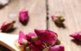 玫瑰花与什么一起泡能丰胸