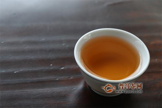 早上空腹喝隔夜普洱茶