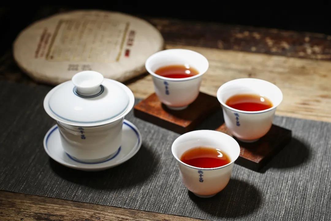 一球茶业:普洱茶可以当水喝吗?