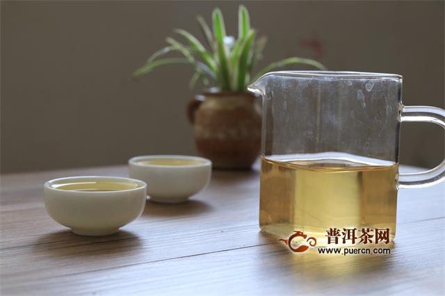 普洱茶投资分析:一票否决!快销茶没有传统饼茶的位置