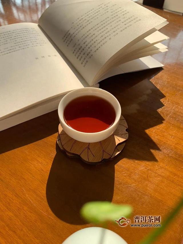 德凤茶业:初秋喝茶戒躁宜煮茶