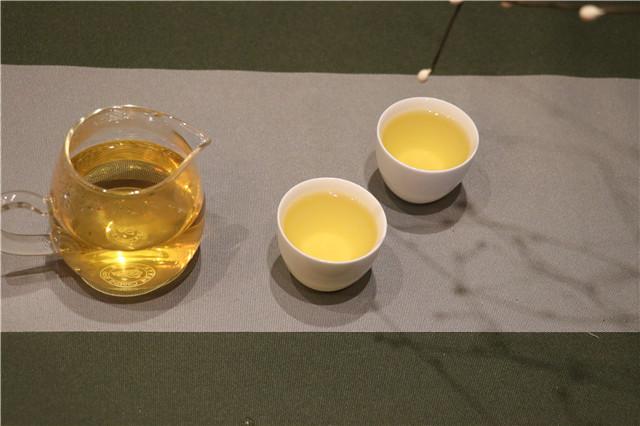 普洱茶的苦、涩、收敛性与回甘