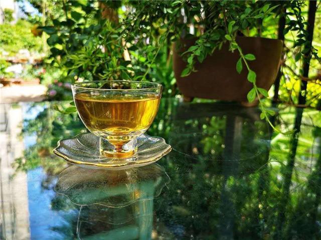 男人喝茶求品质,女人喝茶讲气质