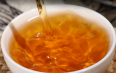 红茶茶汤上面有一层油是为何