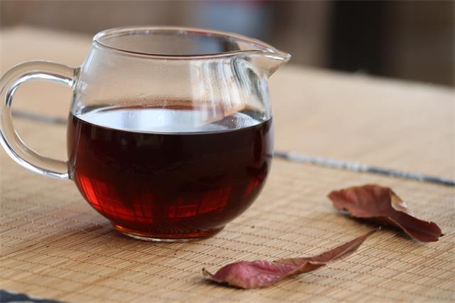 中午喝一杯普洱茶,对身体有什么利益?